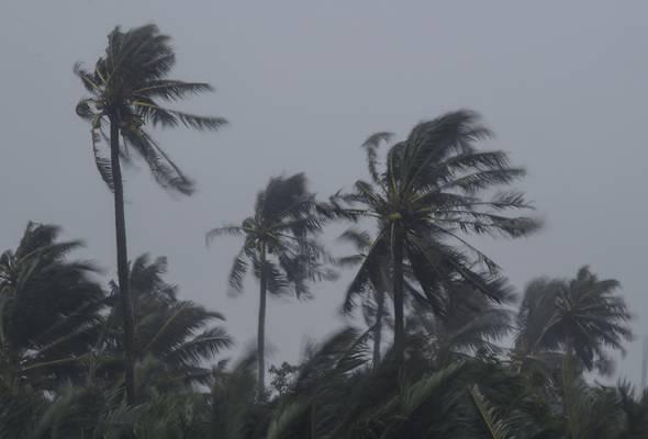 Amaran ribut petir, angin kencang di beberapa kawasan sehingga 9 malam ini