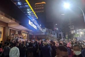 Cawangan McDonald's pertama Indonesia tutup operasi, tapi sebelum itu kena denda dulu!