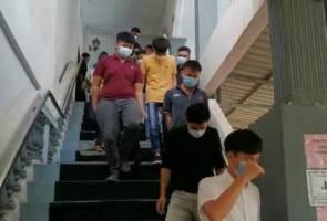 Padah main snooker, 42 lelaki termasuk warga emas didenda RM1,000 ingkar PKPB