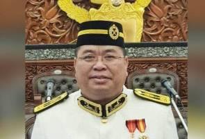 Ahli Parlimen Lubok Antu keluar PKR, ikrar sokong Muhyiddin, Abang Johari