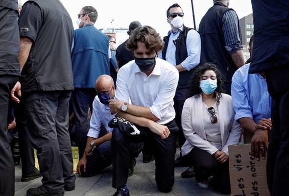 PM Kanada berlutut tanda solidariti buat George Floyd