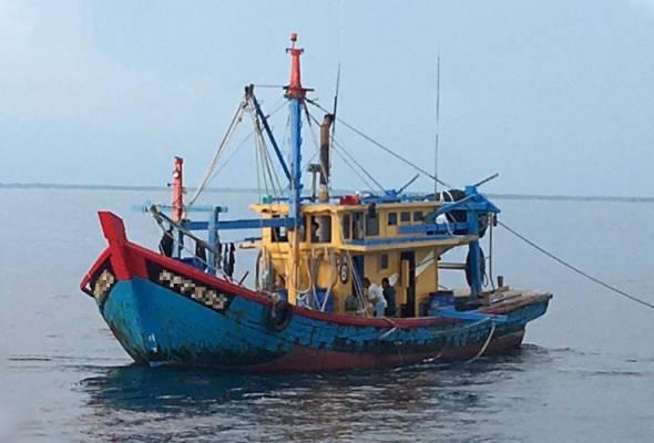Maritim Malaysia tahan bot nelayan tempatan guna kru PATI