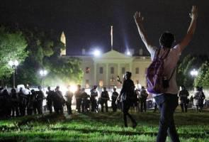 Ketika Rumah Putih diserang! Trump pula menyorok dalam 'kubu bawah tanah'