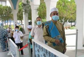 Friday prayers allowed in suitable surau, halls
