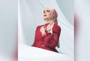 Siti Nurhaliza rakam semula lagu Teratai Menjelma nyanyian Sudirman dalam ManifestaSITI2020
