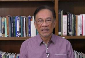 Anwar denies plotting behind the scene