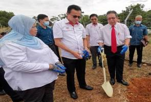 Rubber smallholders must be active in Risda programmes - Minister