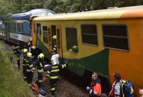 Kereta api penumpang bertembung, sekurang-kurangnya 3 maut
