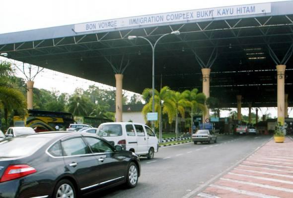 Kumpulan pertama melibatkan 29 buah kenderaan yang ditinggalkan pemilik di Kelantan telah dihantar pulang pada 10 Ogos lepas. - Gambar hiasan | Astro Awani