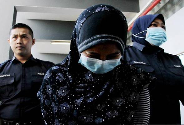 Accountant claims trial to 143 CBT charges | Astro Awani