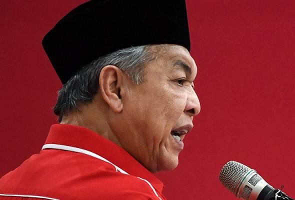 Zahid optimis calon BN yang akan diumumkan bakal mempertahankan kerusi DUN Slim dengan adanya sokongan daripada pengundi PAS dan Bersatu. - Bernama | Astro Awani