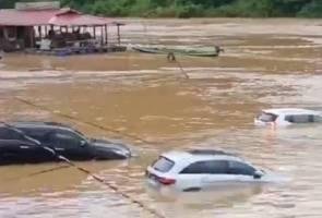 Enam kereta tenggelam dalam banjir kilat di Taman Negara