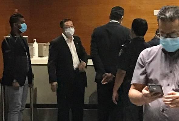 Lim Guan Eng sekali lagi hadir ke ibu pejabat Suruhanjaya Pencegahan Rasuah Malaysia (SPRM) di Putrajaya. - Foto ihsan SPRM | Astro Awani