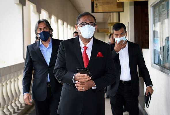 Isteri, anak Abdul Azeez pegang jawatan pengarah, pemegang saham - Saksi