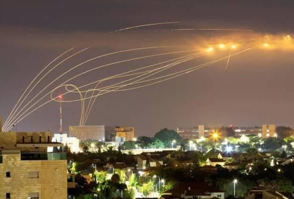 'Hujan bom' terangi malam Awal Muharam di Gaza