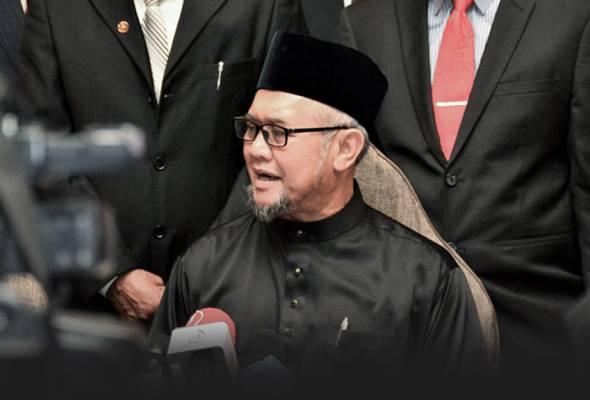 Razman berkata pihaknya berharap pihak NGO yang menerima peruntukan tersebut menggunakannya dengan sebaik mungkin. | Astro Awani