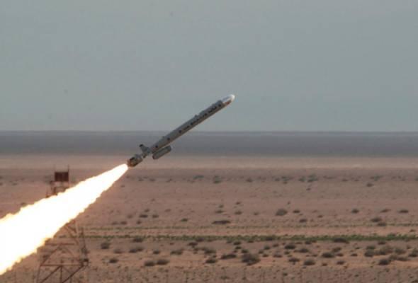 Iran lancar dua peluru berpandu balistik ketika ketegangan memuncak dengan AS