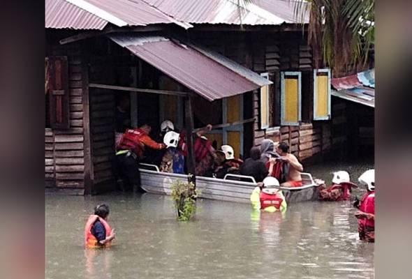 KL banjir: Pusat pemindahan sementara di Kelab Sultan Sulaiman dibuka