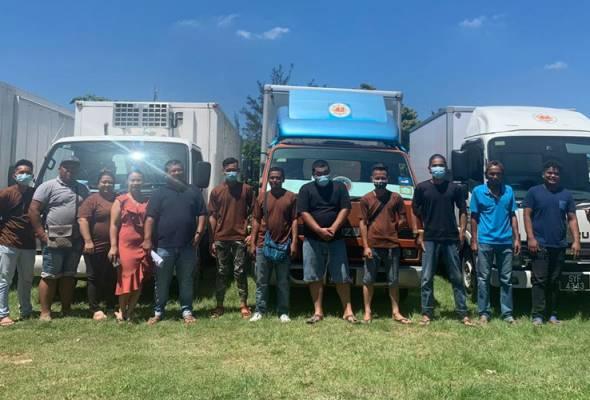 PRN Sabah: Dulu tidur di 'hotel bergerak', kini penghantar barangan miliki 14 lori dan 18 pekerja