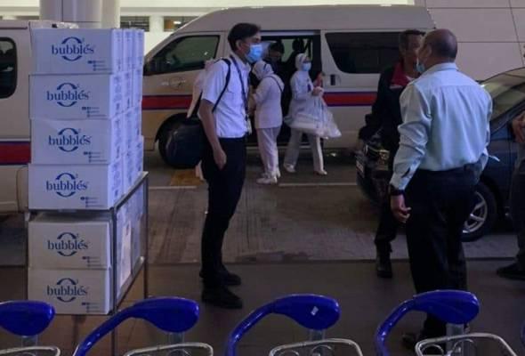 Saringan COVID-19 di KLIA sesak: KKM tambah petugas, peralatan