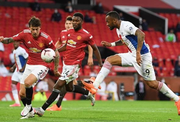 Pertahanan goyah undang kekalahan Manchester United - Neville