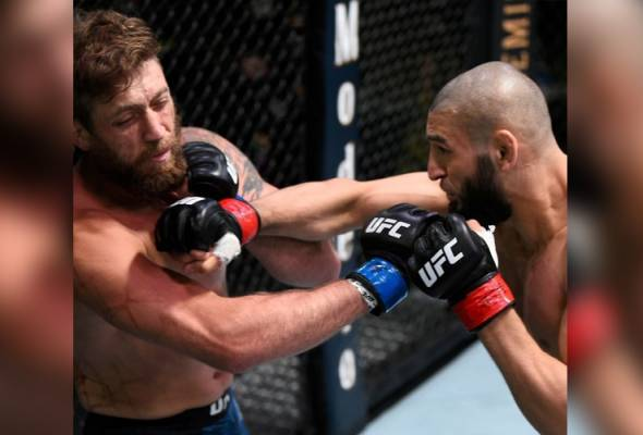 UFC Vegas 11: Satu tumbukan, Khamzat Chimaev menang dalam masa 17 saat