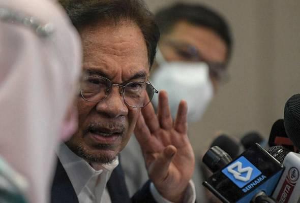 Anwar menghadap Agong: Ini mungkin situasi yang akan berlaku esok - Pakar Perlembagaan