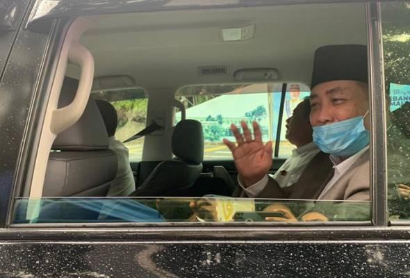 'Saya dipanggil' - Hajiji menghadap Tun Juhar