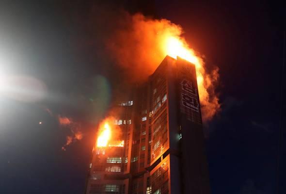 Apartmen 33 tingkat terbakar, 15 penghuni dikejar ke hospital