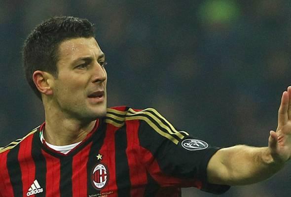 COVID-19: Penolong jurulatih Milan bawa perkhabaran buruk menjelang 'derby'