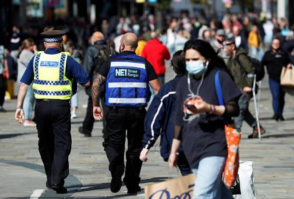 COVID-19: Sekatan baharu di UK elak penutupan peringkat nasional