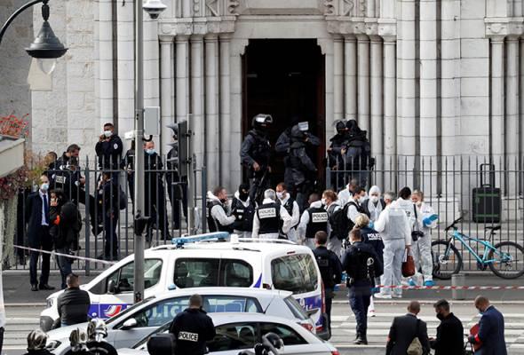 Pendirian Macron sukarkan proses perdamaian kaum, Islamofobia - Penganalisis