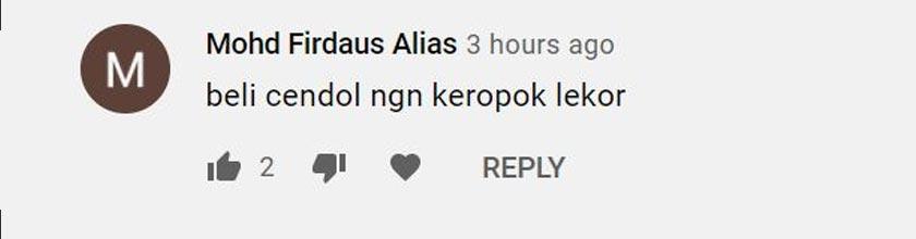 Seorang pengguna YouTube berkongsi juadah yang dibeli di kalangan penjaja kecil hari ini