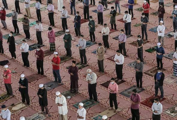 Solat Jumaat di masjid di KL, Putrajaya dibenarkan 500 orang - JAWI